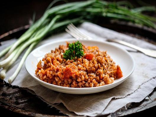 Гречетто с луком и морковью